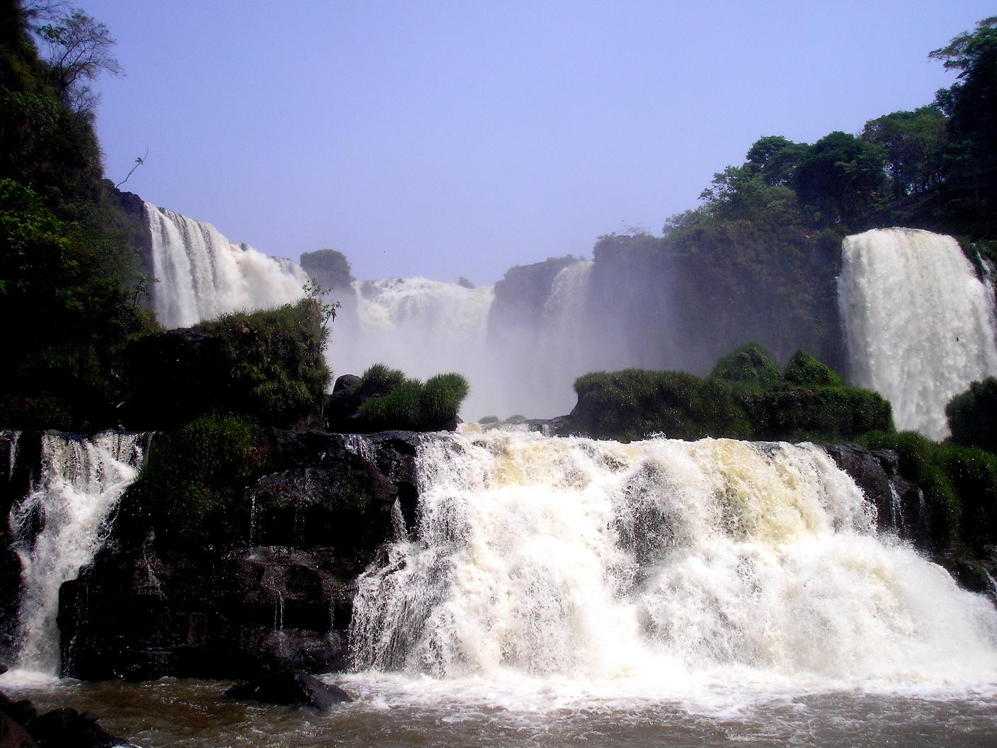 One of the foremost natural attractions of Paraguay is Saltos Del Monday, or Monday Falls.