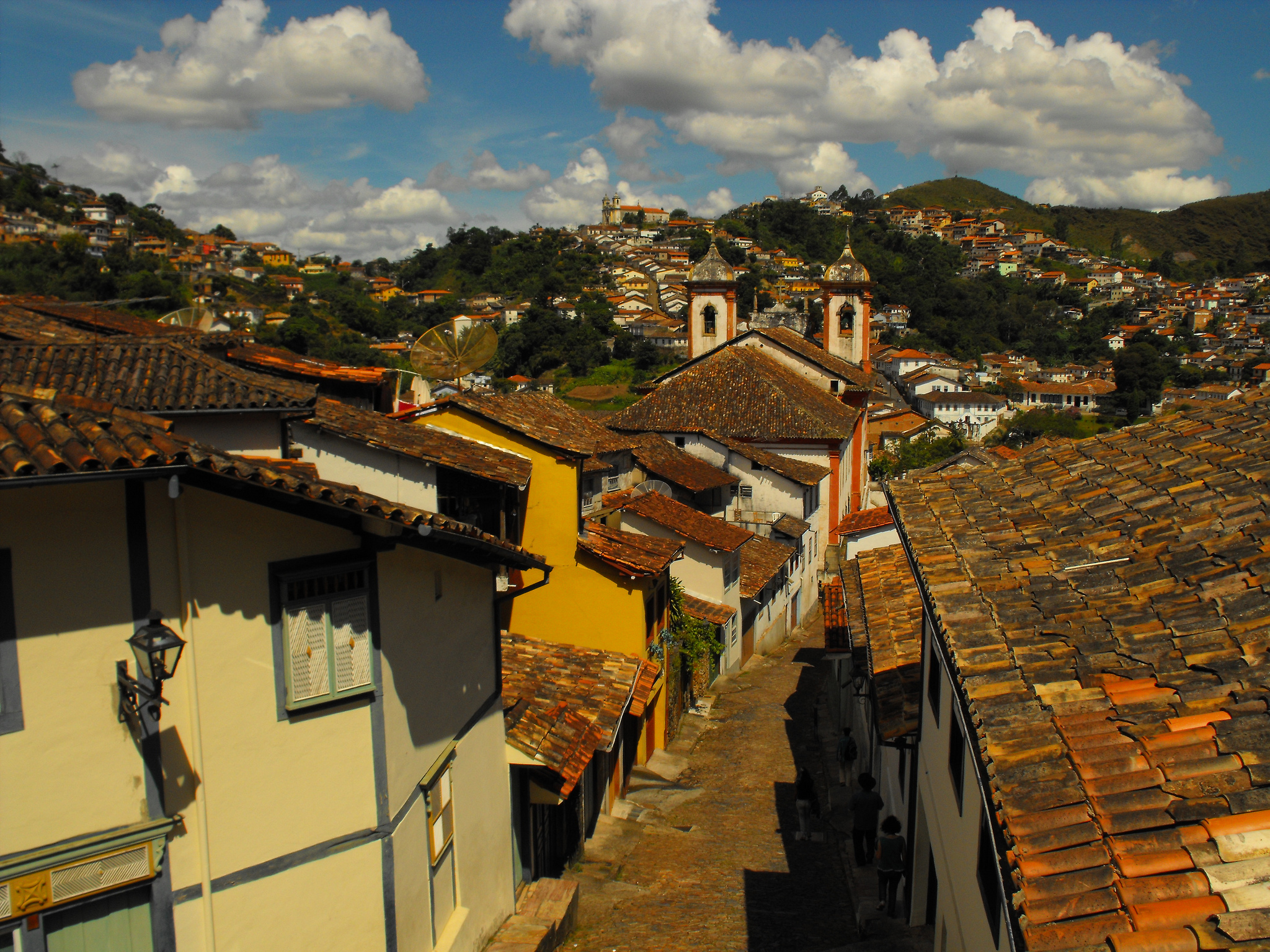 Ouro Preto is one of the prettiest colonial towns in Brazil ... photo by CC user  18877859@N00 on flickr