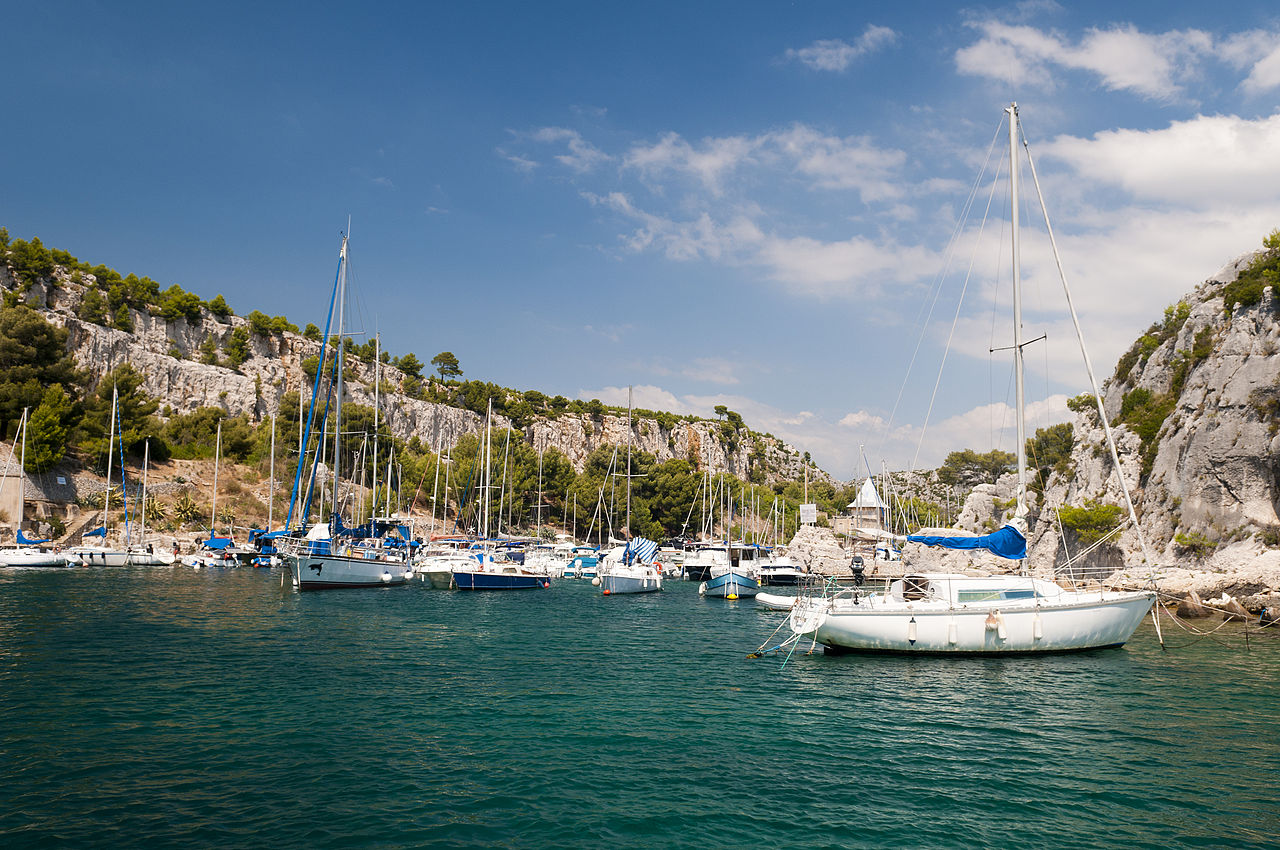 1280px-Calanque_near_Cassis,_Provence,_France_(6052442545)
